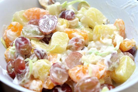 Фруктовый салат «Райская свежесть»