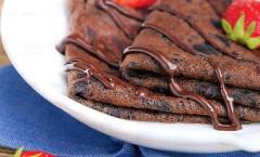 Простые шоколадные блинчики по быстрому - рецепт
